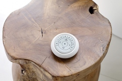 2019_REMOTE_Auto_PEBBLE_Detail-Wood-Table